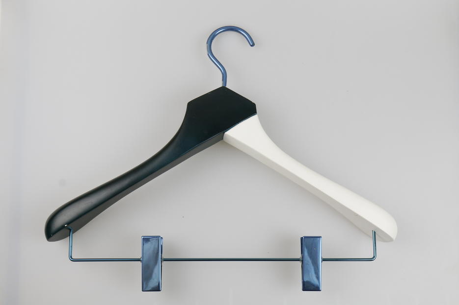 Special Hook Black & Whith Wooden Hangers with Clips for Hotel hanger