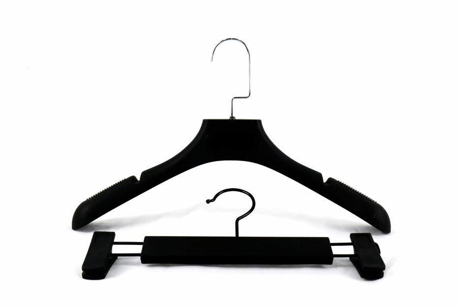 High quality ABS Black garment hanger with notch and matt  paint