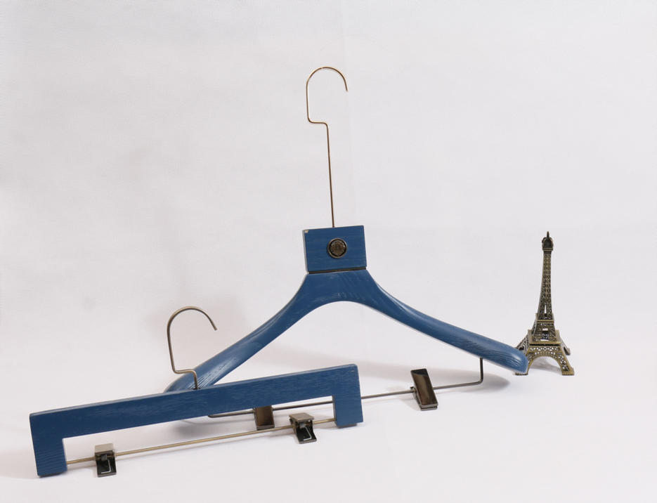 Special Blue Clothes Wooden Hangers with Clip for Display