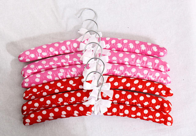 padded fancy clothes satin hanger in fabric coated